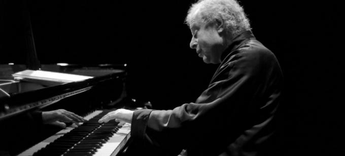 Seattle Symphony Orchestra: Andras Schiff Conducts and Plays at Benaroya Hall